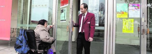 Nueve museos de Valladolid y León acercan sus obras a personas discapacitadas