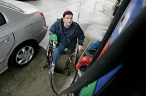 Poca accesibilidad en las gasolineras