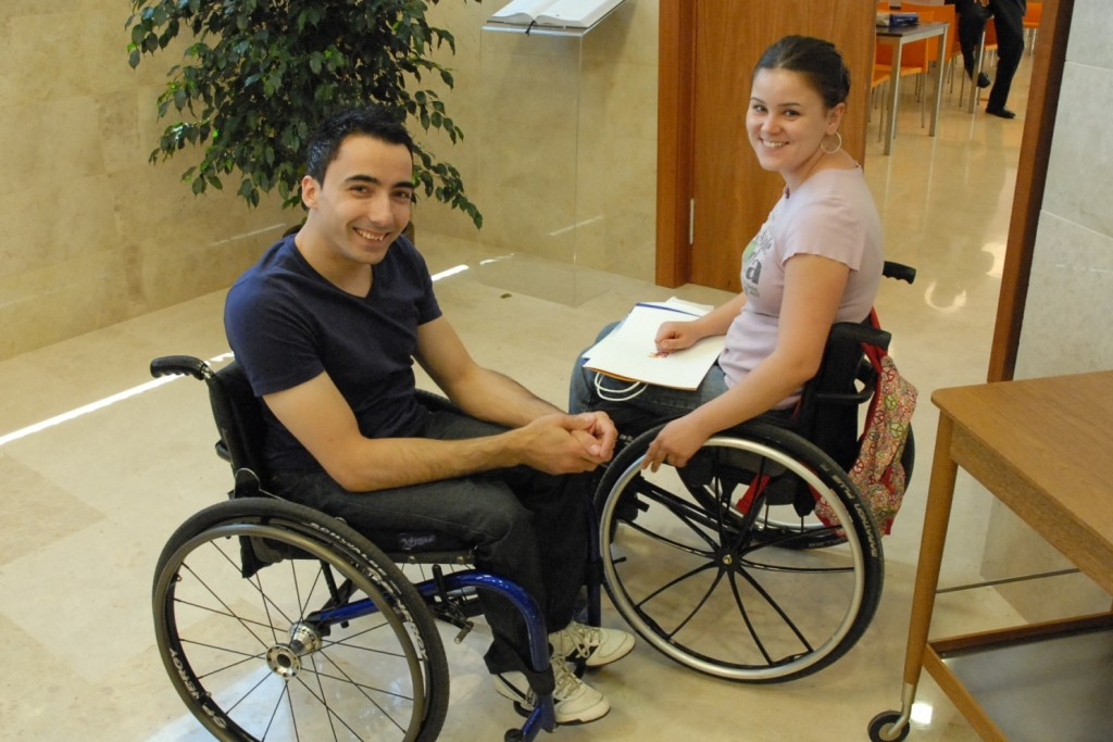 Estudiantes universitarios con discapacidad en la Universidad Miguel Hernández