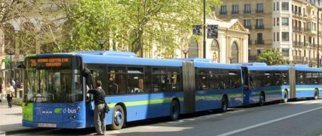 Los acompañantes de personas con discapacidad irán gratis en el autobús de San Sebastián